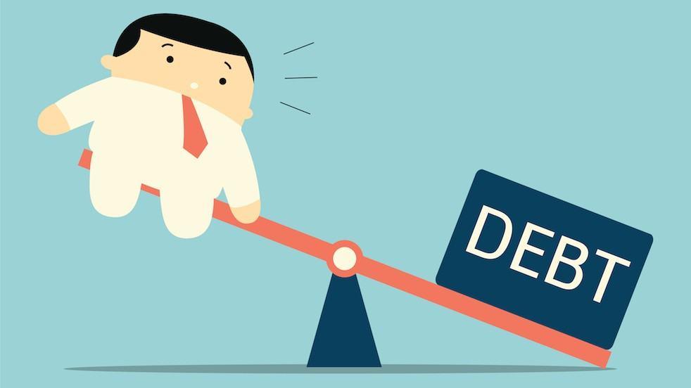 9 mục tiêu tài chính phải đạt được trước tuổi 30 - image debt on https://atpsoftware.com.vn