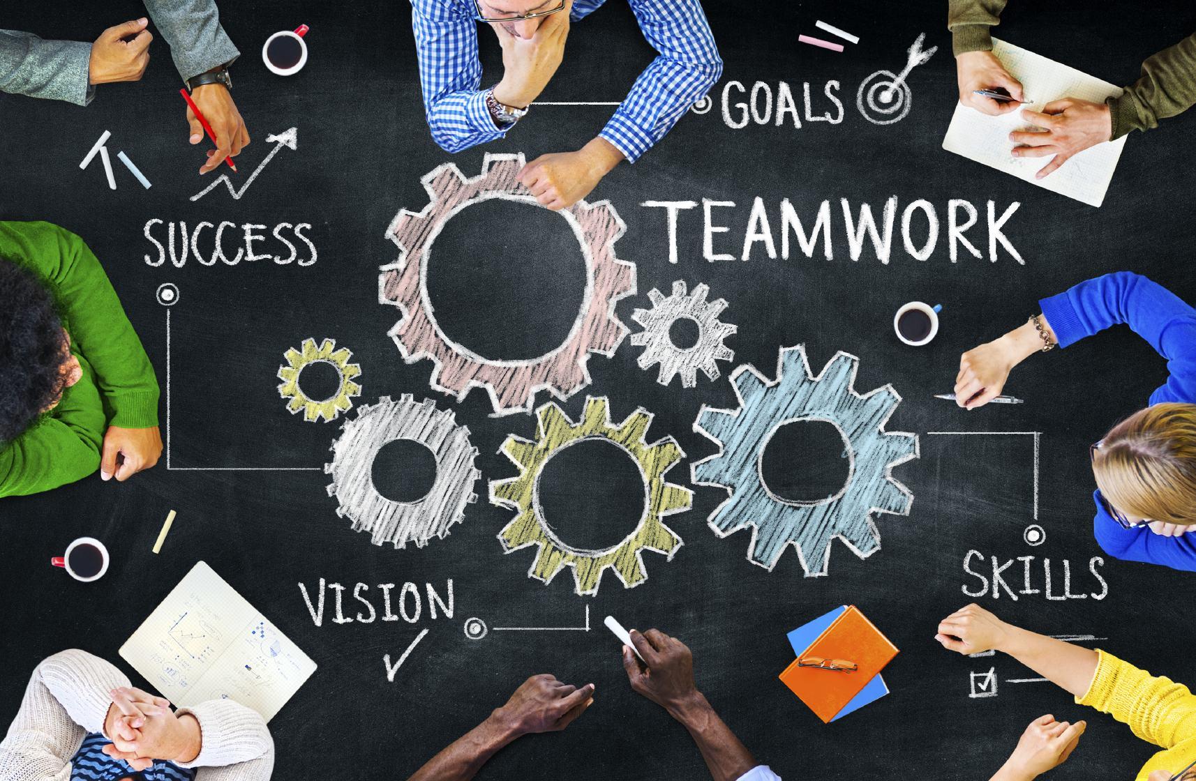 9 bài học quan trọng trong kinh doanh khởi nghiệp - image 569ee459de3d20_Adopt-a-Teamwork-Mindset-1 on https://atpsoftware.com.vn