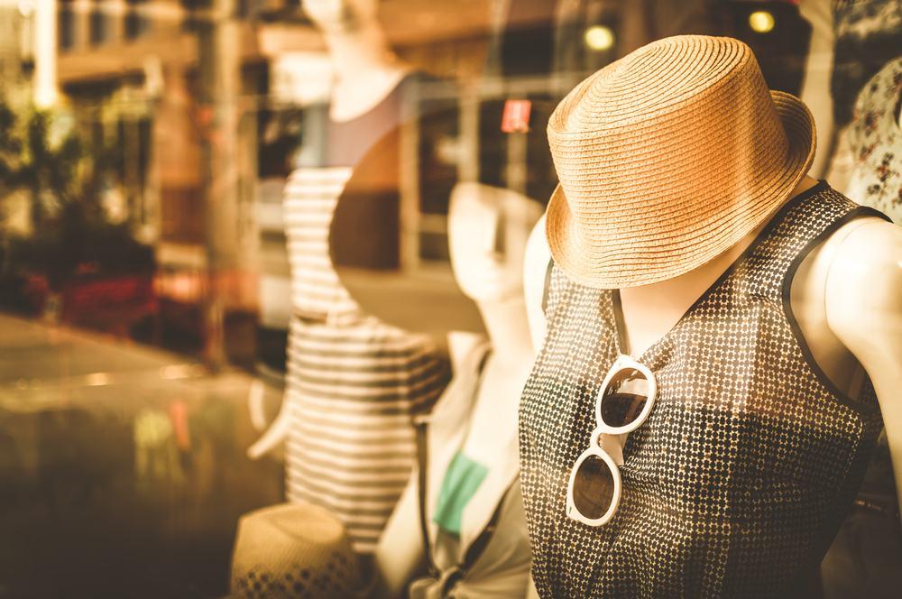 5 bí kíp giúp tránh tồn kho cho cửa hàng thời trang - image kinh-doanh-thoi-trang on https://atpsoftware.com.vn