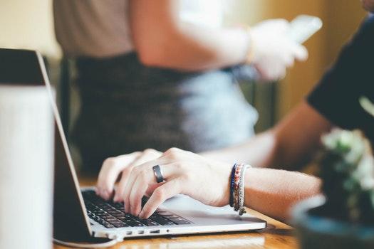 computer pc workplace home office 159760 - Bí quyết đặt tiêu đề khiến mọi người click đọc nhiều hơn