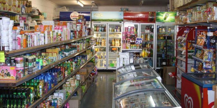 mo cua hang tap hoa 144891 750x375 - 12 tiêu chí lựa chọn sản phẩm kinh doanh chắc chắn có lãi!