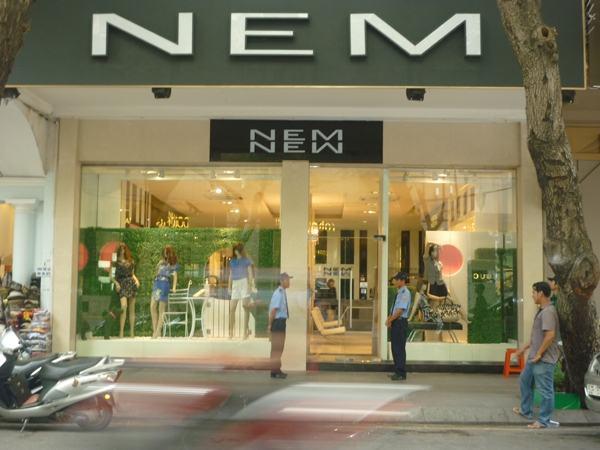 shop thoi trang my pham 41324 - Top 10 ý tưởng kinh doanh cho khách hàng là học sinh, sinh viên
