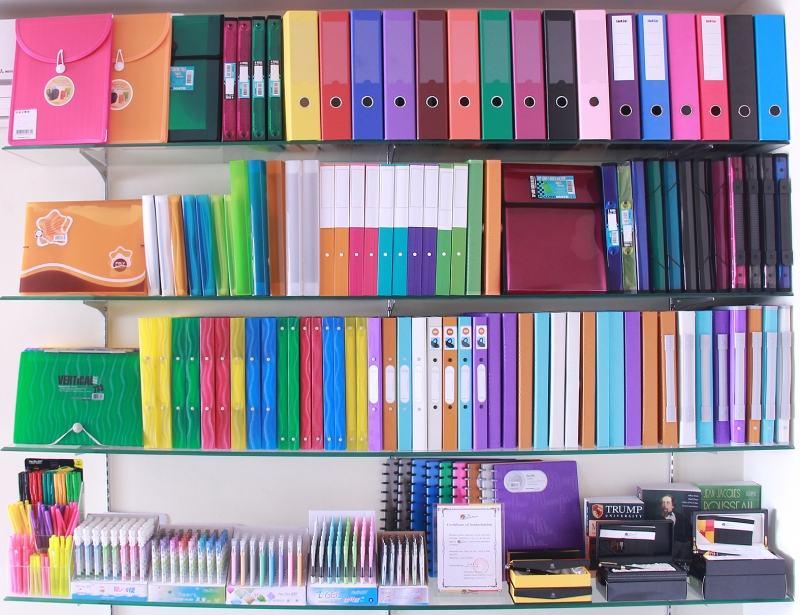 van phong pham 41318 - Top 10 ý tưởng kinh doanh cho khách hàng là học sinh, sinh viên